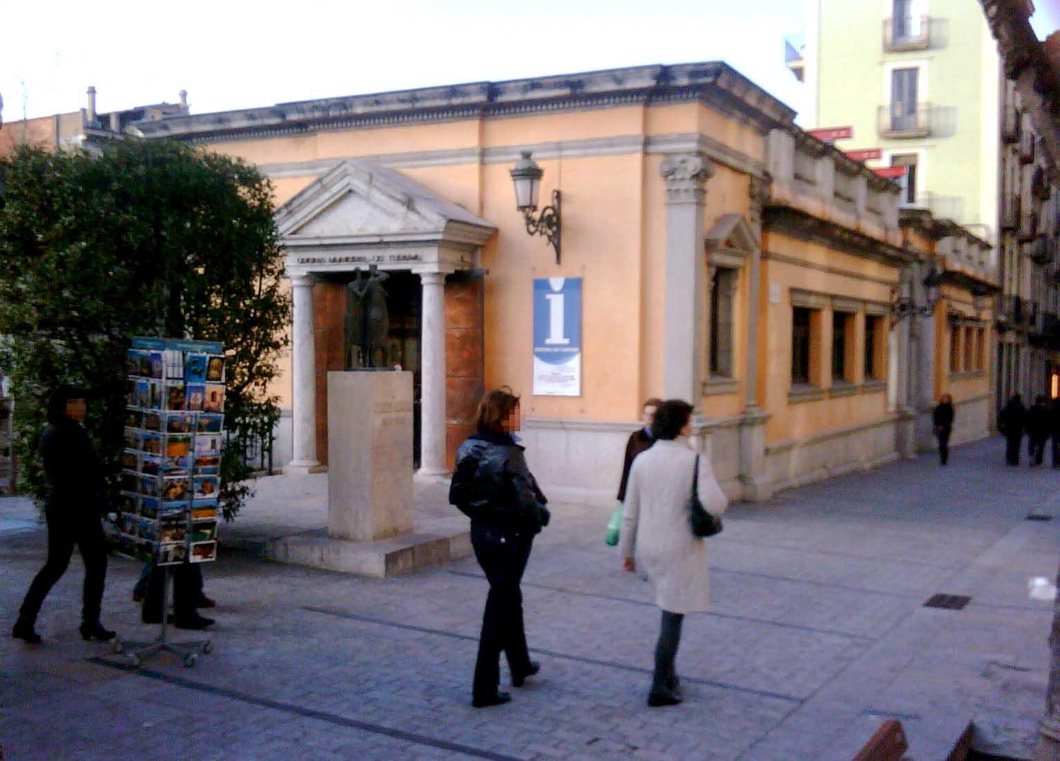 El tancament de l oficina de turisme de la rambla s un for Oficina de turisme girona